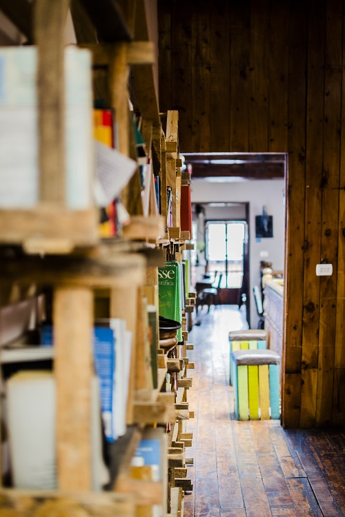 How to start a coffee shop bookstore coffee shop startups for Coffee shop design software